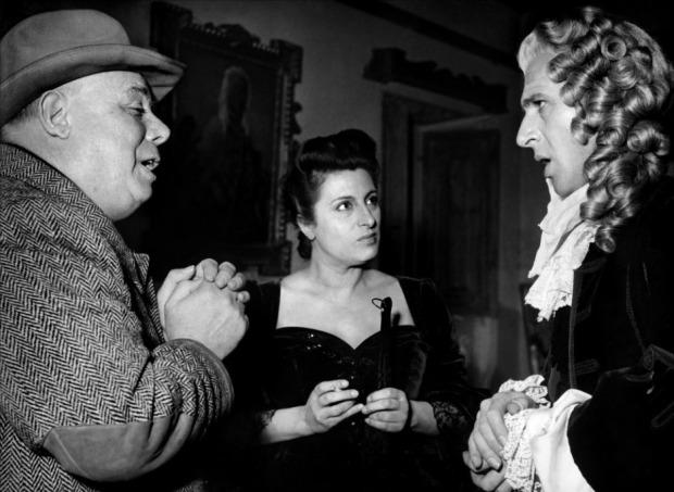 Duncan-Lamont-Anna-Magnani-Jean-Renoir-Le-carrosse-d'or-1953