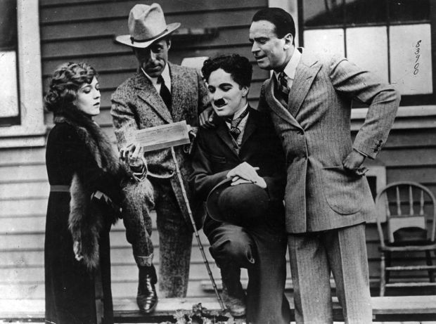 pickford-griffith-chaplin-fairbanks