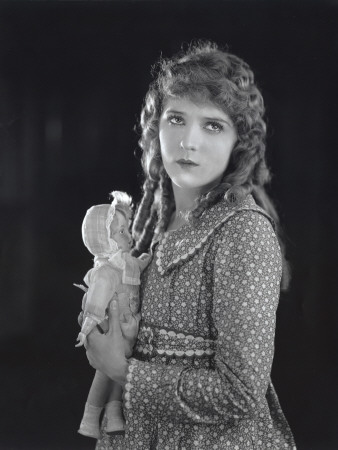 mary-pickford-poor-little-rich-girl-2